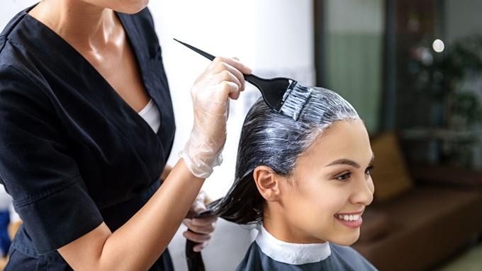 Чем красить волосы